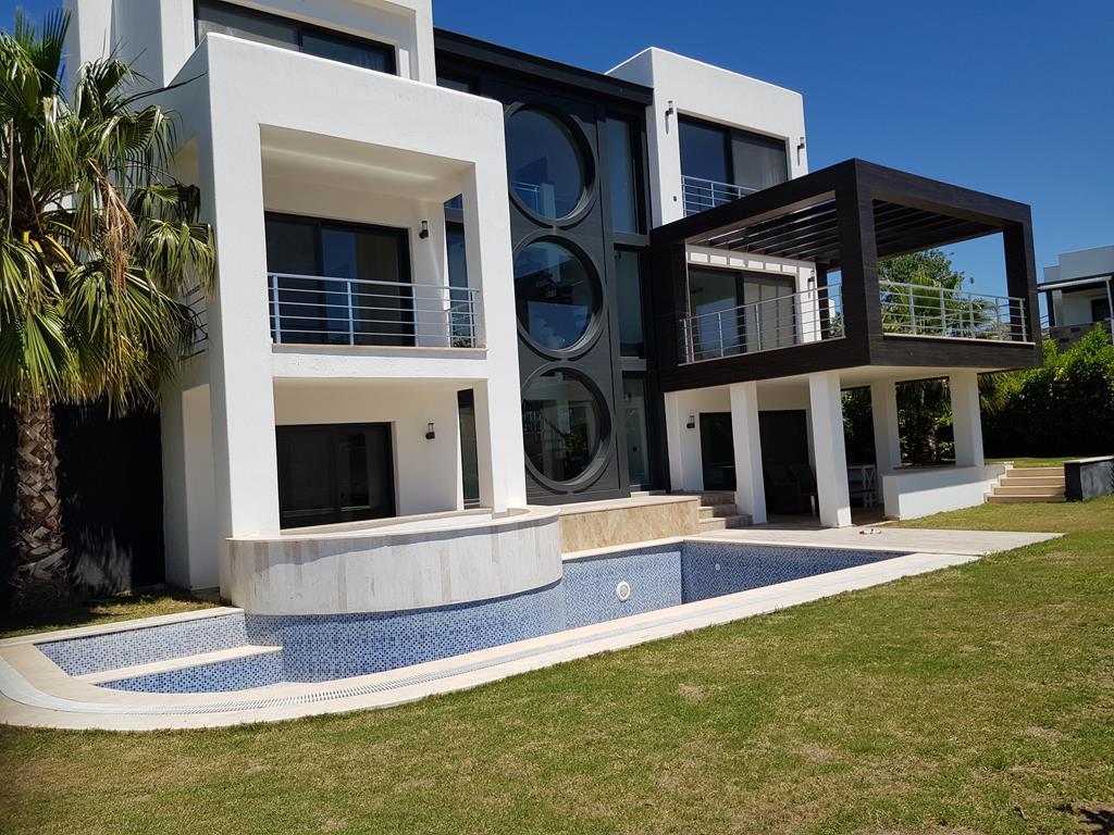 Bodrum Yalıkavak'ta  Denize Sıfır Villa
