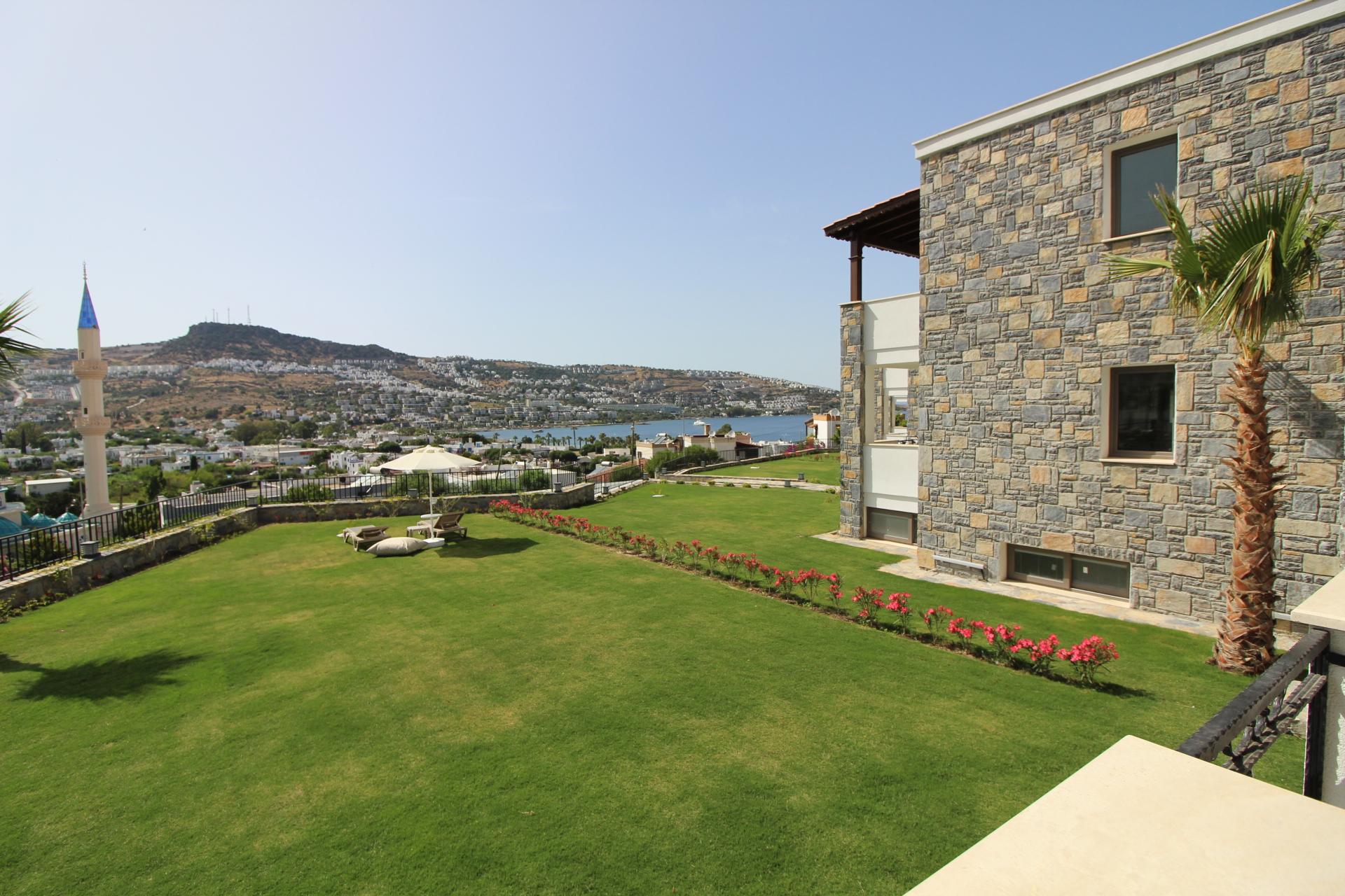Gündoğan Merkezde Satılık Müstakil Villa
